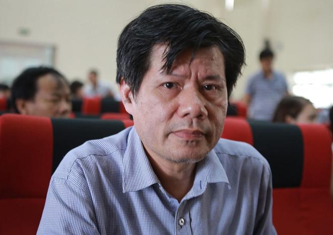 Tiến sĩ Nguyễn Hữu Dũng tại họp báo sáng 5/8. Ảnh: Nguyễn Hải.