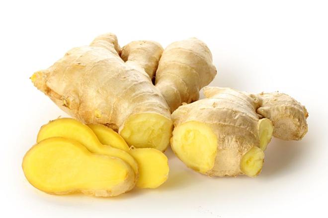 Trong Đông y, gừng có thể được chế thành nhiều phương thuốc như chống cảm lạnh, khạc đờm, ho, đau bụng ...