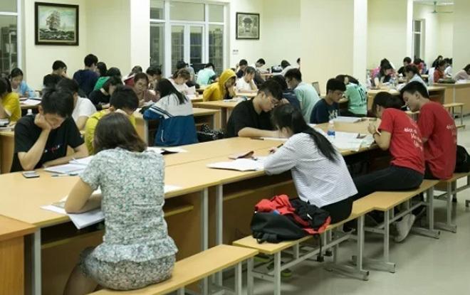 Thư viện đông đúc của sinh viên Đại học Y Hà Nội. Ảnh: Đình Tùng