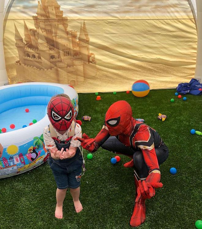 Không gian bên trong chiếc lều giúp Brody vui chơi. Ảnh: GMA