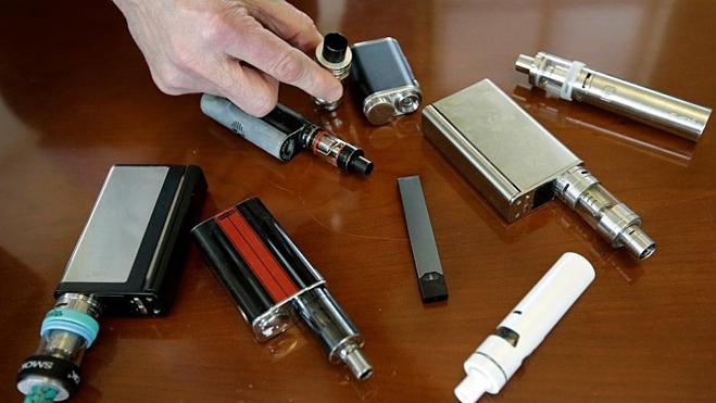Bệnh nhân đầu tiên ở Mỹ tử vong do hút thuốc lá điện tử - ảnh 1