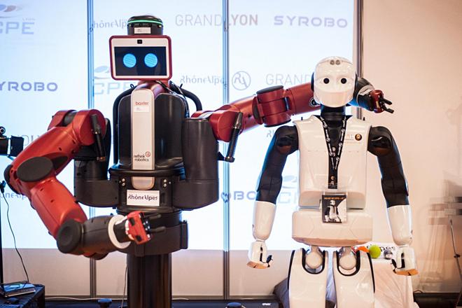 Các y tá robot có thể giúp chăm sóc người già và người khuyết tật, giảm bớt tình trạng thiếu điều dưỡng ở Anh. Ảnh: SCMP