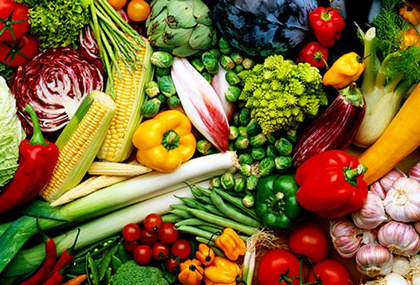Mỗi người enne ăn ít nhất 400 gam rau quả mỗi ngày. Ảnh: Webmd.