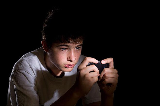 Tổ chức Y tế Thế giới ghi nhận nghiện chơi game là bệnh tâm thần.Ảnh: Sun