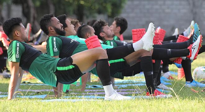 Cách rèn thể lực của cầu thủ Indonesia