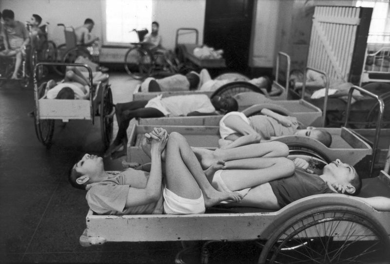 Địa ngục trong trại thương điên tai tiếng nhất Mỹ - Sức Khỏe