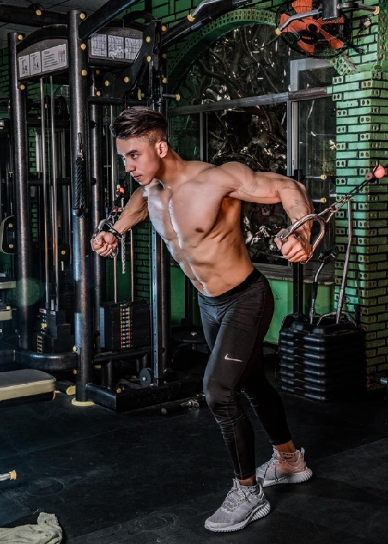 Sau 4 năm theo đuổi Gym, Phú duy trì cân nặng ở 80 - 82 kg để thi đấu chuyên nghiệp. Ảnh: Nhân vật cung cấp