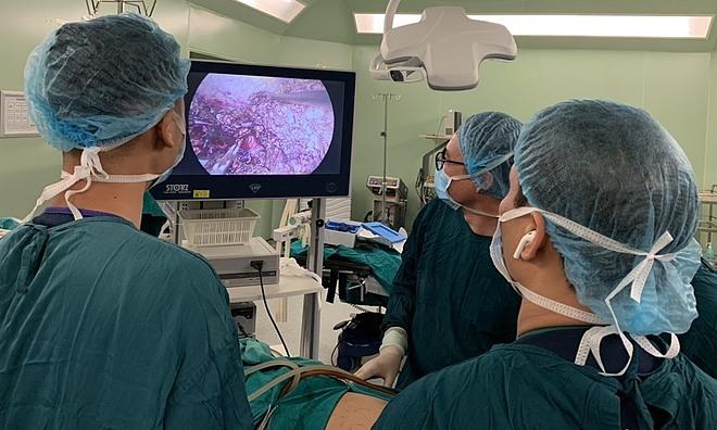 Nội soi cắt u gan ung thư - ảnh 1