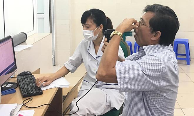Việt Nam nên cấm thuốc lá điện tử