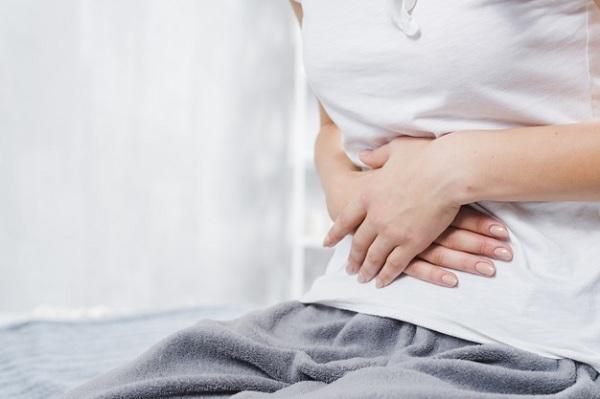 Những cơn đau vùng bụng phía trên hoặc bên phải có thể là do ung thư gan gây ra