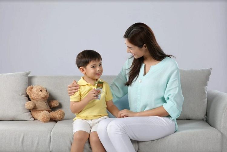 Phụ huynh cần xây dựng thực đơn cân bằng, đầy đủ dinh dưỡng cho trẻ.
