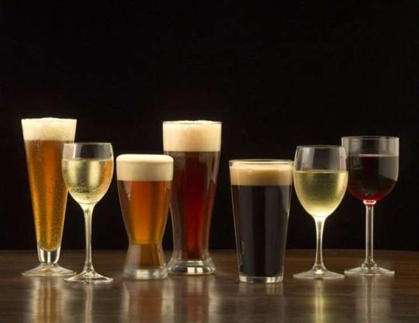 Uống rượu làm tăng nguy cơ ung thư.