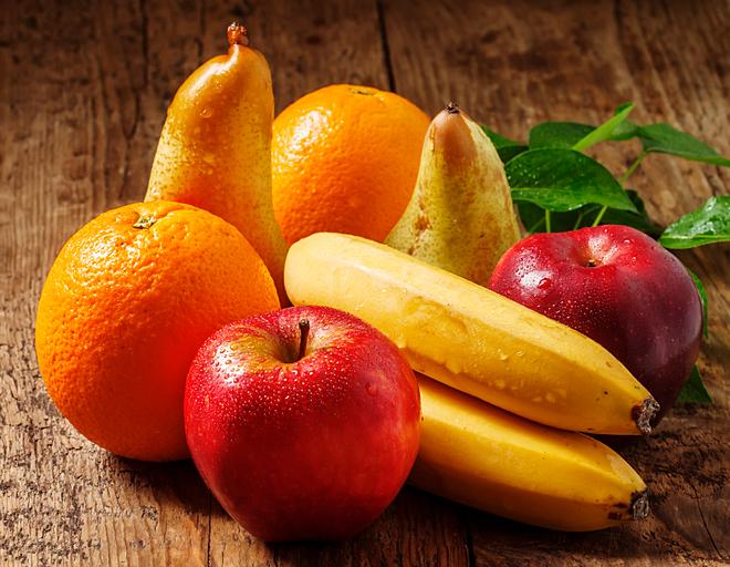 Các loại hoa quả như cam, quýt, táo... chứa hàm lượng lớn chất xơ và vitamin A, C tạo cảm giác no lâu. Ảnh: KenPhilp