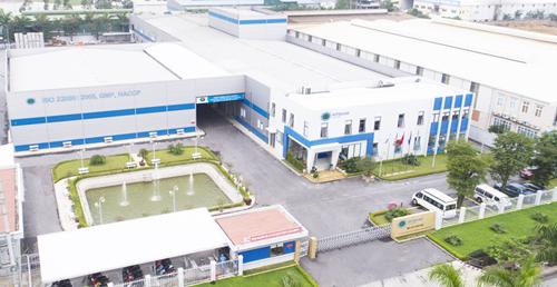 Công ty thực hiện phun khử trùng toàn bộ các khu để phòng chống dịch bệnh.