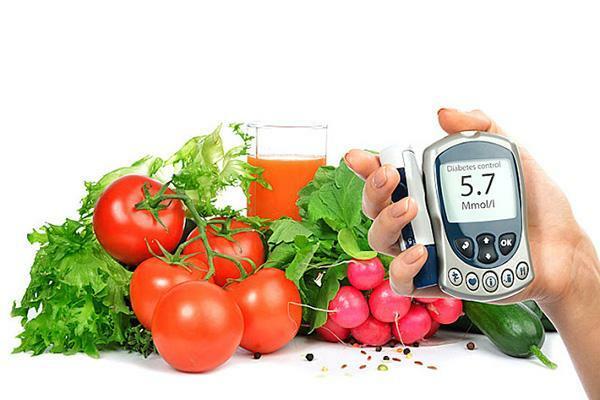 Người bệnh ăn uống đủ chất, chú ý cân bằng các nhóm chất để cơ thể khỏe mạnh.