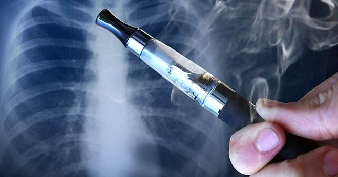 Thuốc lá điện tử có thể gây nghiện, bệnh phổi, như thuốc lá truyền thống.Ảnh:WTVA.