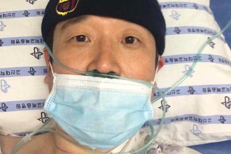Giáo sư đại học Park Hyun đang được điều trị cách ly trong phòng áp lực âm tại bệnh viện. Ảnh: Park Hyun