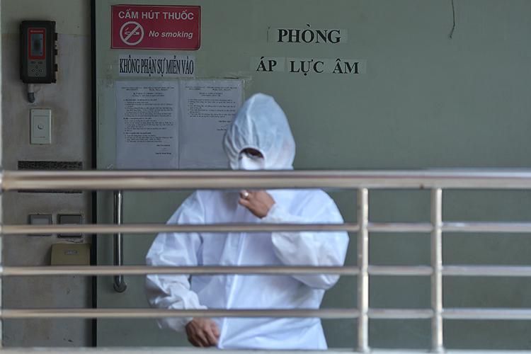 Phòng áp lực âm tại Bệnh viện Bệnh Nhiệt đới TP HCM điều trị bệnh nhân Covid-19. Ảnh: Hữu Khoa.