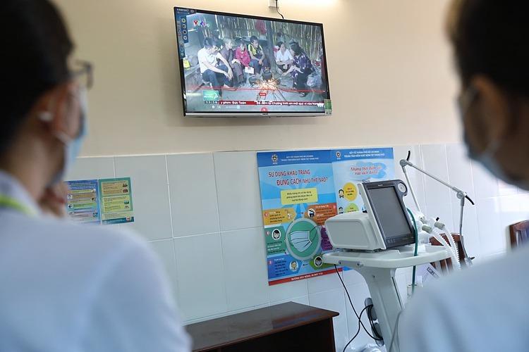 Bệnh viện lắp đặt tivi 40 inch tại các phòng chức năng và phòng bệnh nhân. Ảnh: Hữu Khoa.