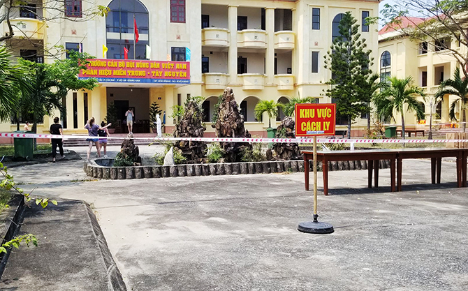Nhà kháchTrường cán bộ Hội Nông dân Việt Nam,phường Cửa Đại, Hội An đang cách ly158 người. Ảnh: Huỳnh Chín.