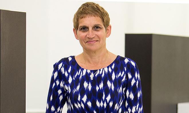 Tiến sĩ, bác sĩ Clare Gereda làm việc tại Lambeth, London. Ảnh: REX