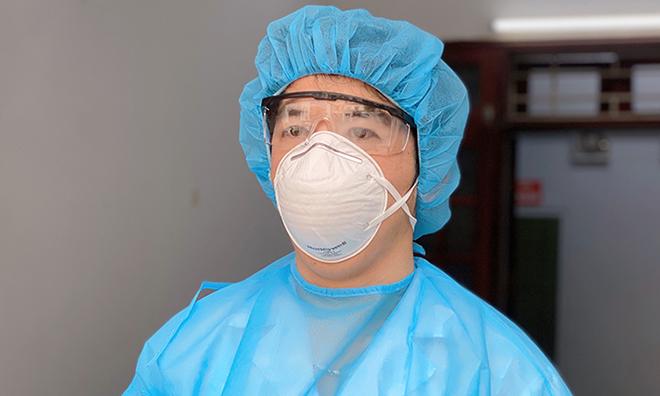 Bác sĩ gác cửa sàng lọc hàng nghìn người nghi nhiễm - ảnh 1