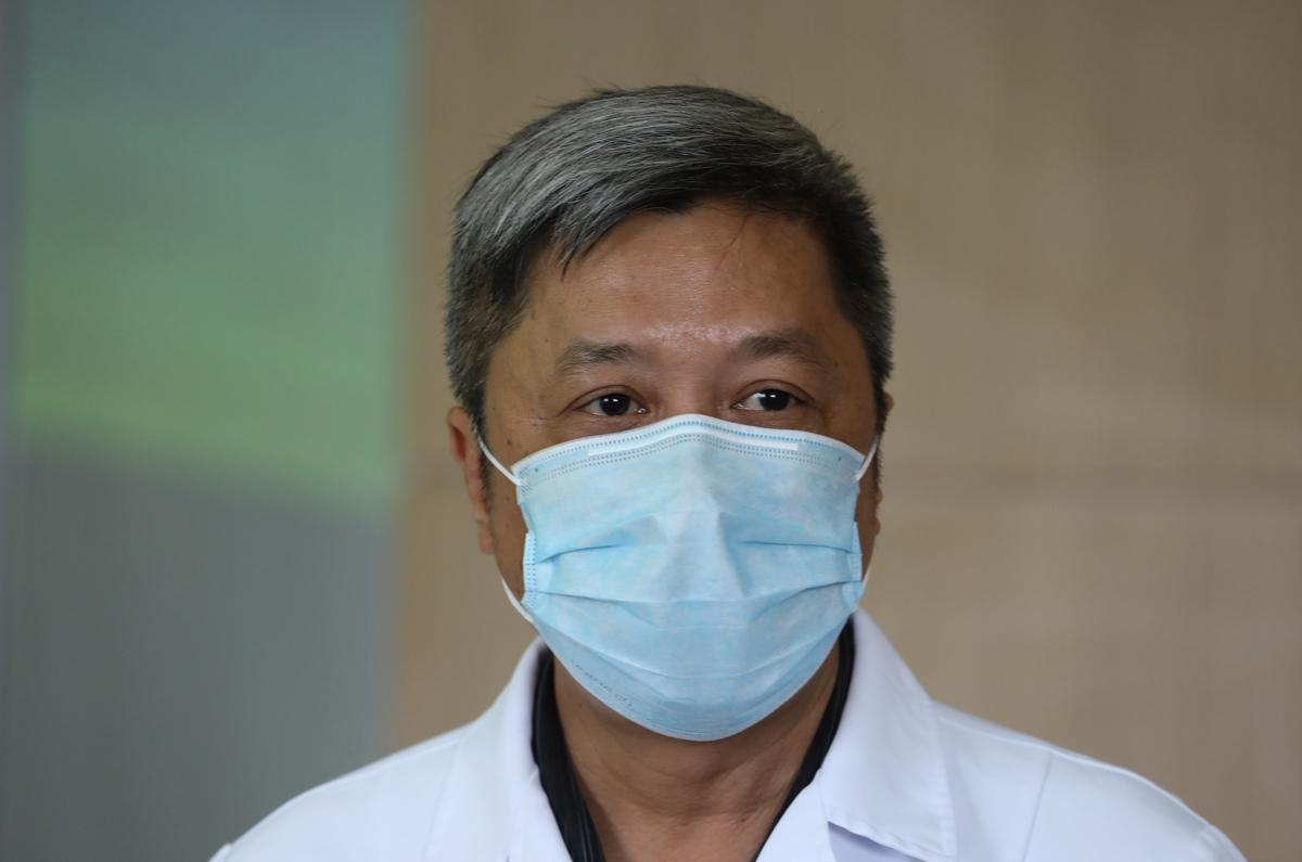 Bộ Y tế kêu gọi nhường khẩu trang cho y bác sĩ - ảnh 1