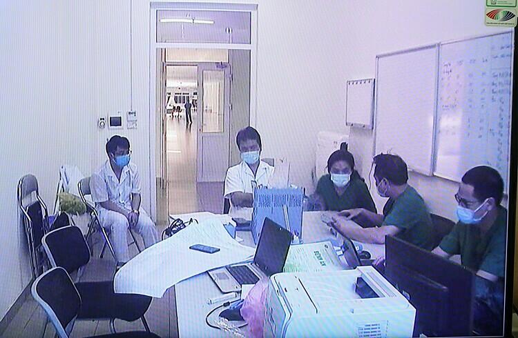 Người chỉ huy các y bác sĩ vòng trong chống dịch - ảnh 3