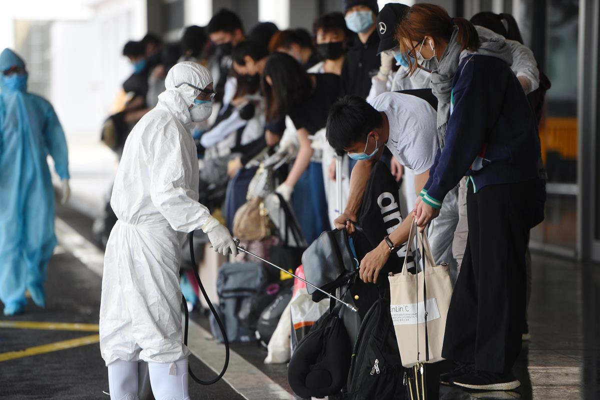 Hành khách cùng chuyến bay 'bệnh nhân 149' xét nghiệm âm tính - ảnh 1