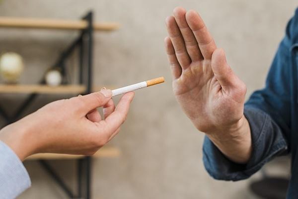 Bệnh nhân ung thư tuyến tiền liệt có thói quen hút thuốc có nguy cơ tái phát bệnh và tử vong cao hơn người không sử dụng.