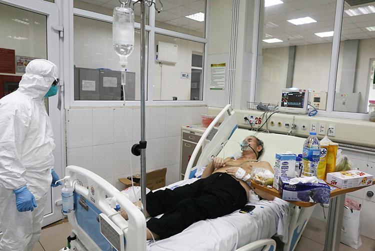 Bệnh nhân điều trị tại Bệnh viện Bệnh Nhiệt đới Trung ương ngày 24/3. Ảnh: Ngọc Thành