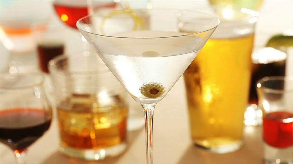 Đồ uống có cồn gây hại cho sức khỏe.