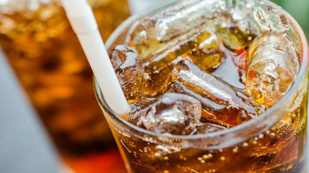 Lạm dụng đồ uống có đường gây hại cho sức khỏe.